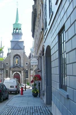 Vieux Montreal street