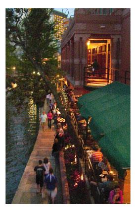 restaurants alongthe San Antonio riverwalk at night