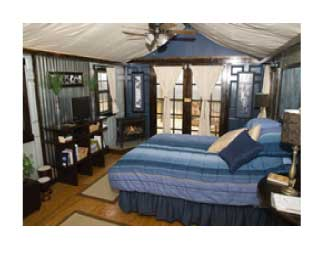 A private glamping cabin at Turpentine Creek Wildlife Refuge in Arkansa